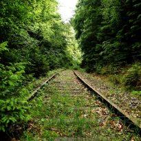 train-track-off-track